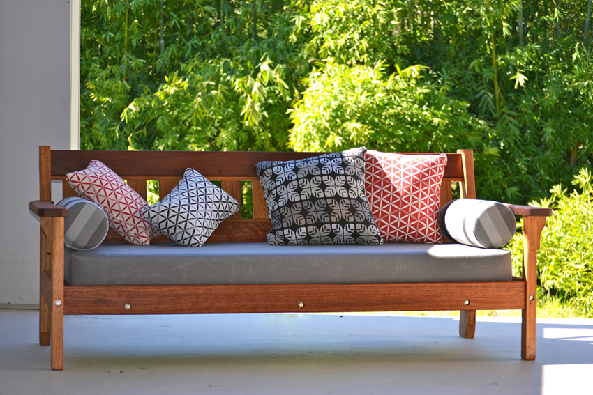 Traditional daybed recycled Australian timber